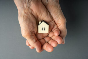 The 6 Advantages of a Cash Offer on Your Distressed/Ugly House
